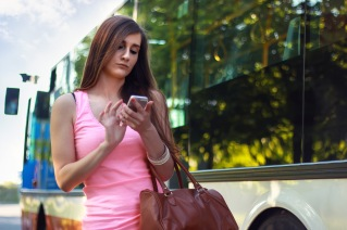 girl_texting